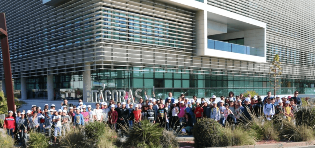 Students from San Ignacio de Loyola School visit ISE Ingenia facilities